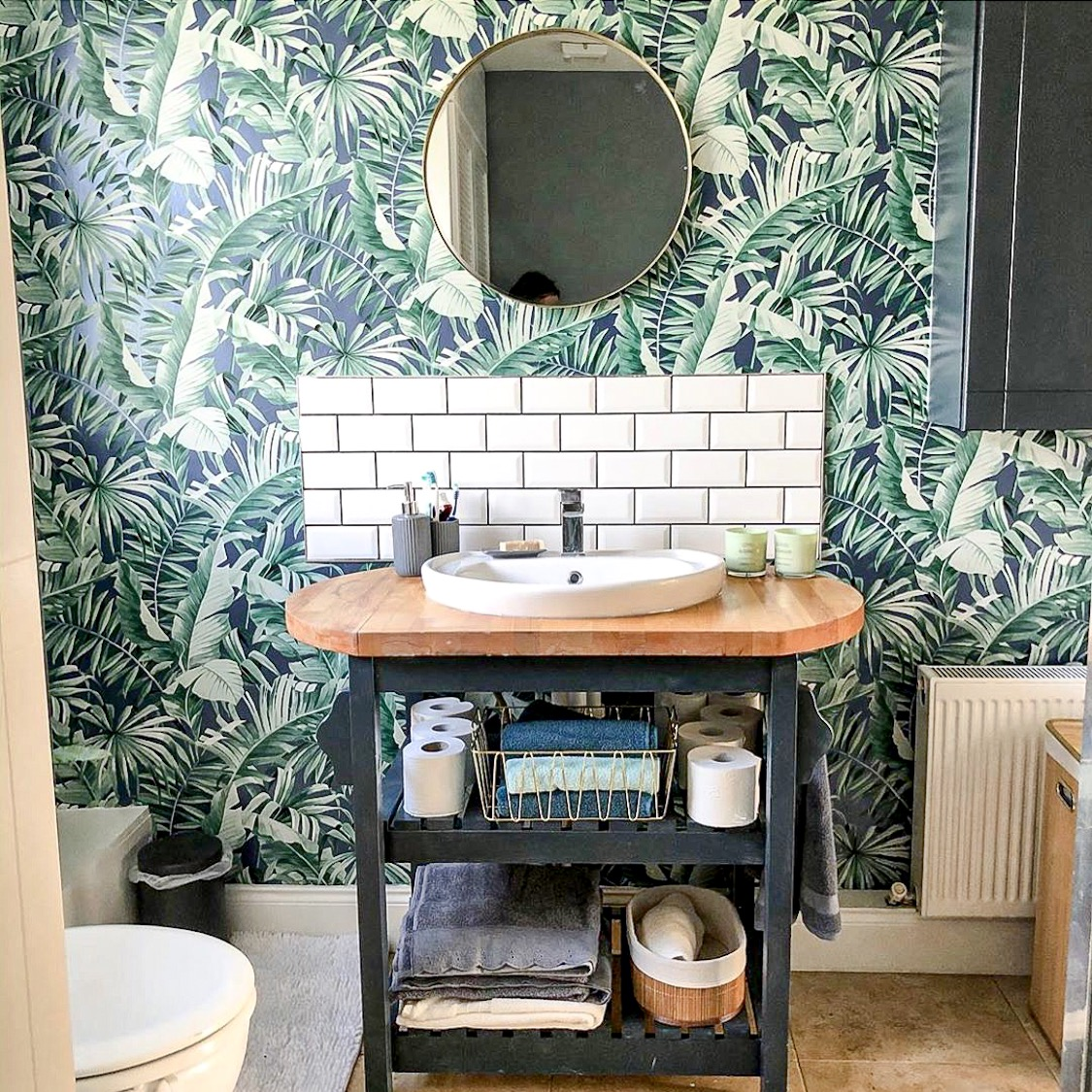Bold Wallpapers For A Daring Bathroom, Bathroom Lining Paper