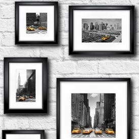 Manhattan in Frame Wallpaper Black / Yellow / White (102534)